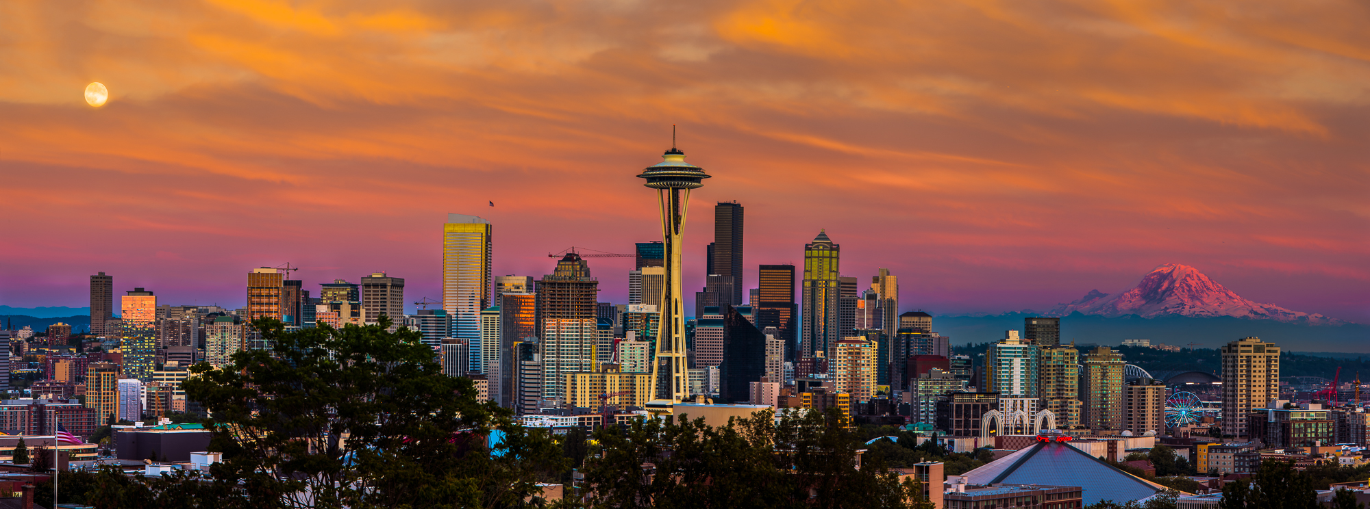 Golden Seattle - 2000x744