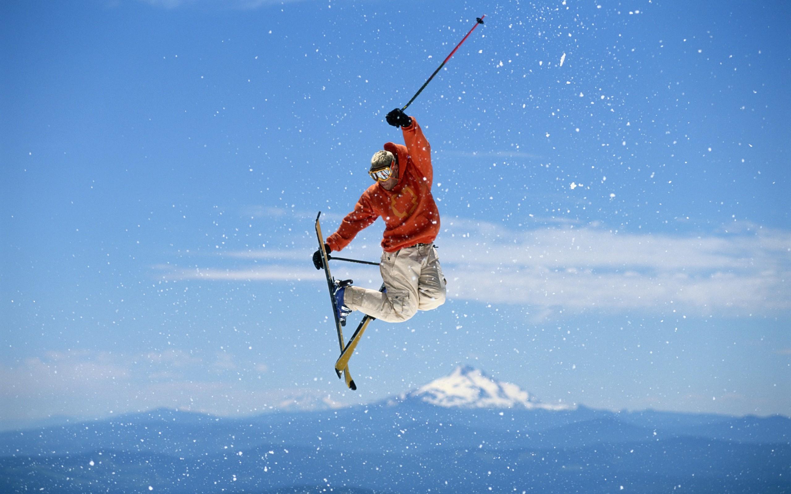 Gran salto en Ski - 2560x1600