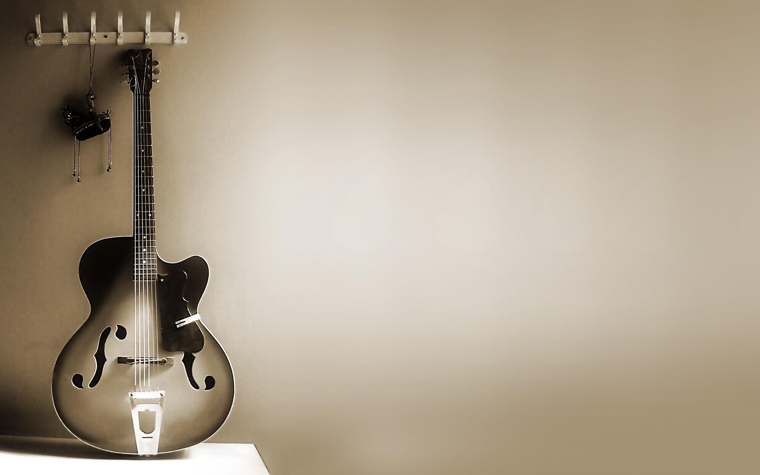 Hermosa Guitarra - 2560x1600