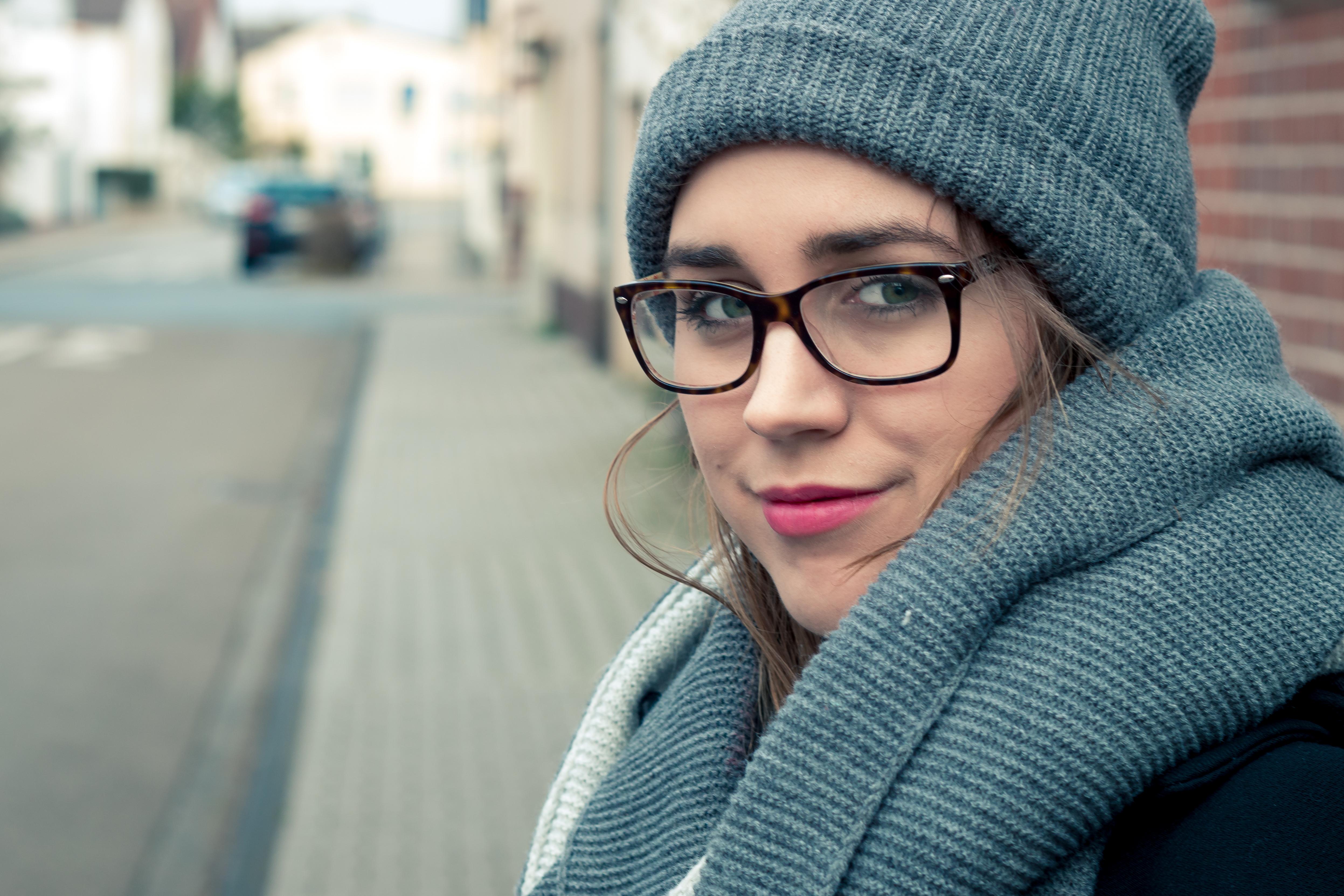 Hermosa mujer en invierno - 4988x3325