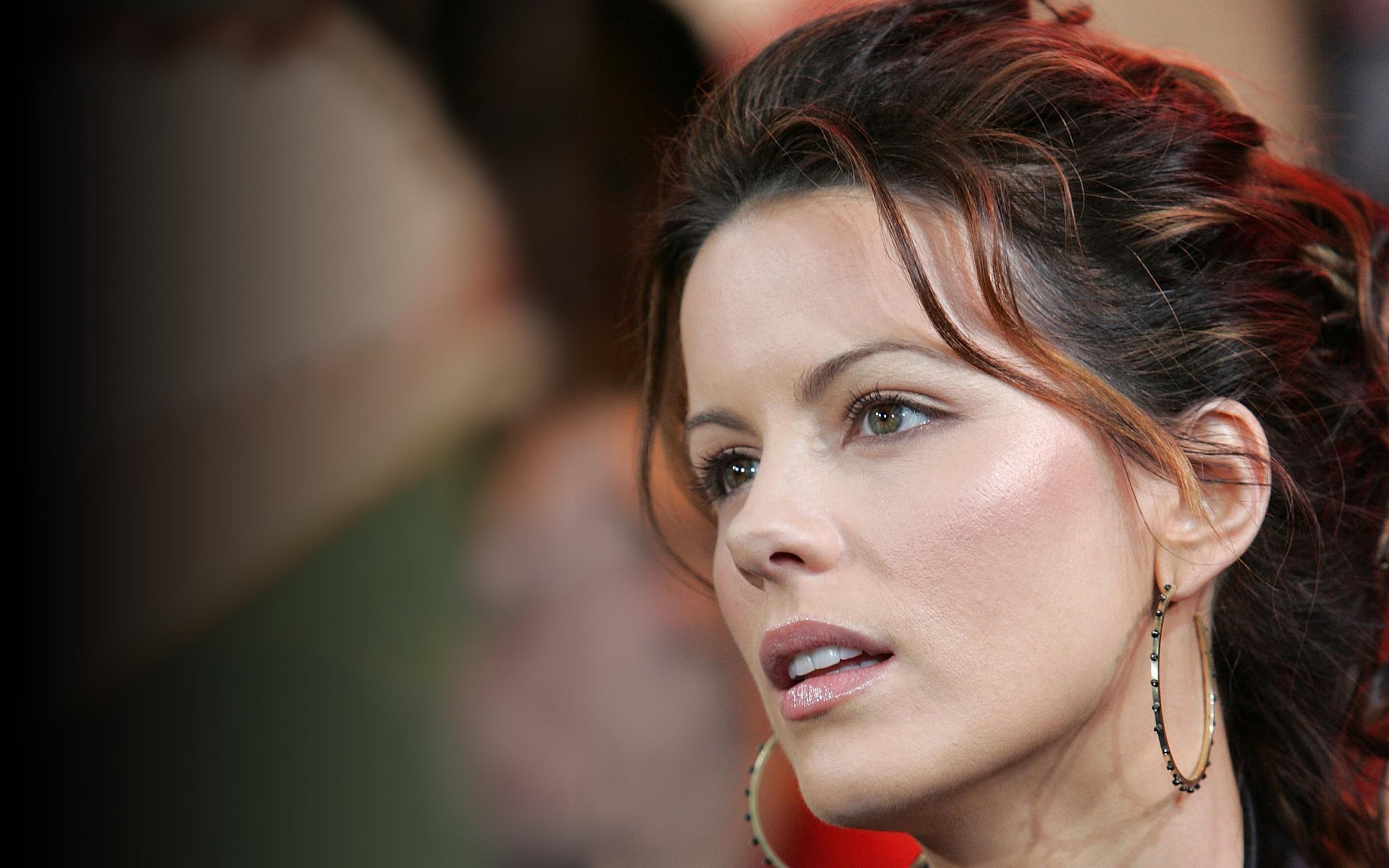 Kate Beckinsale 2013 - 2560x1600