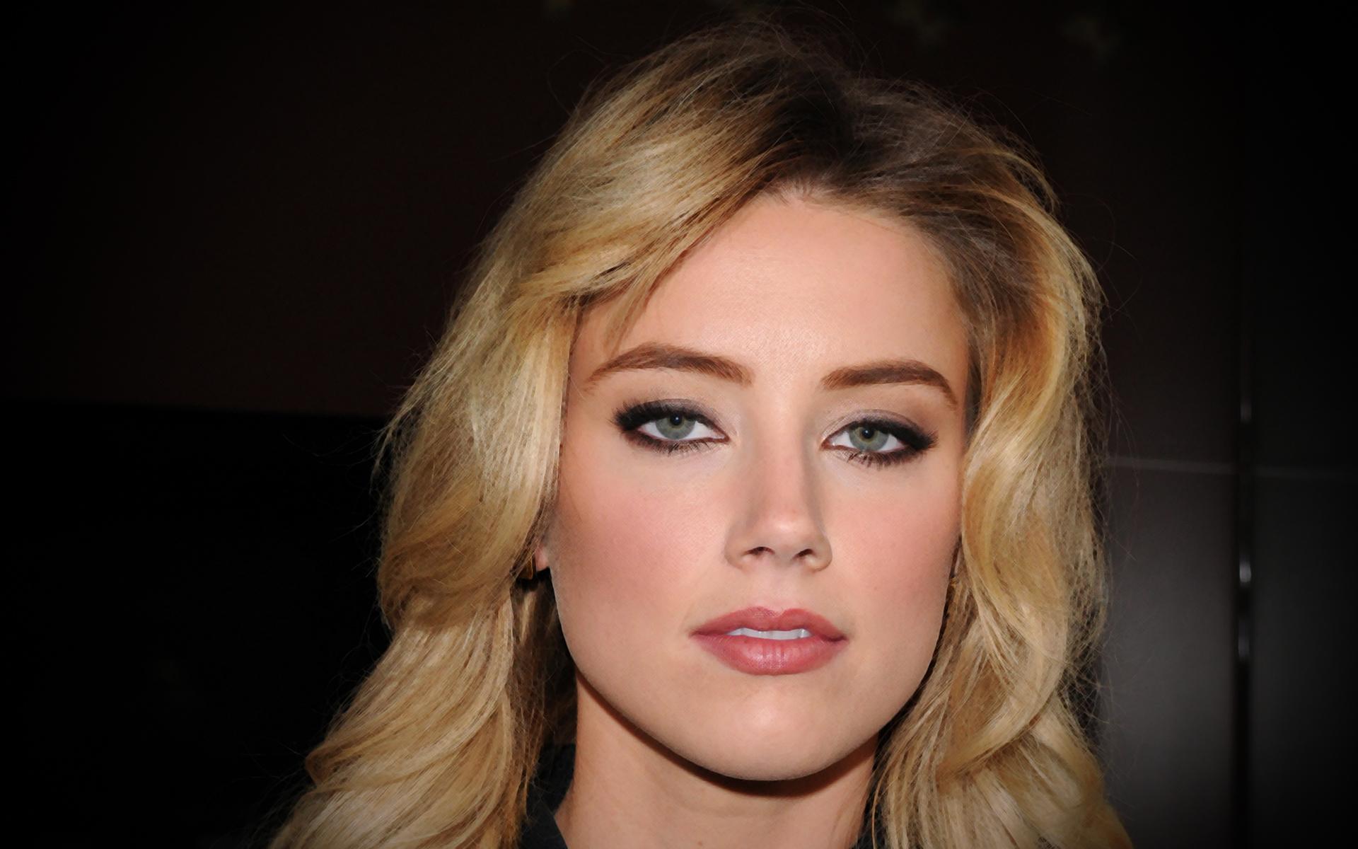 La bella mirada de Amber Heard - 1920x1200