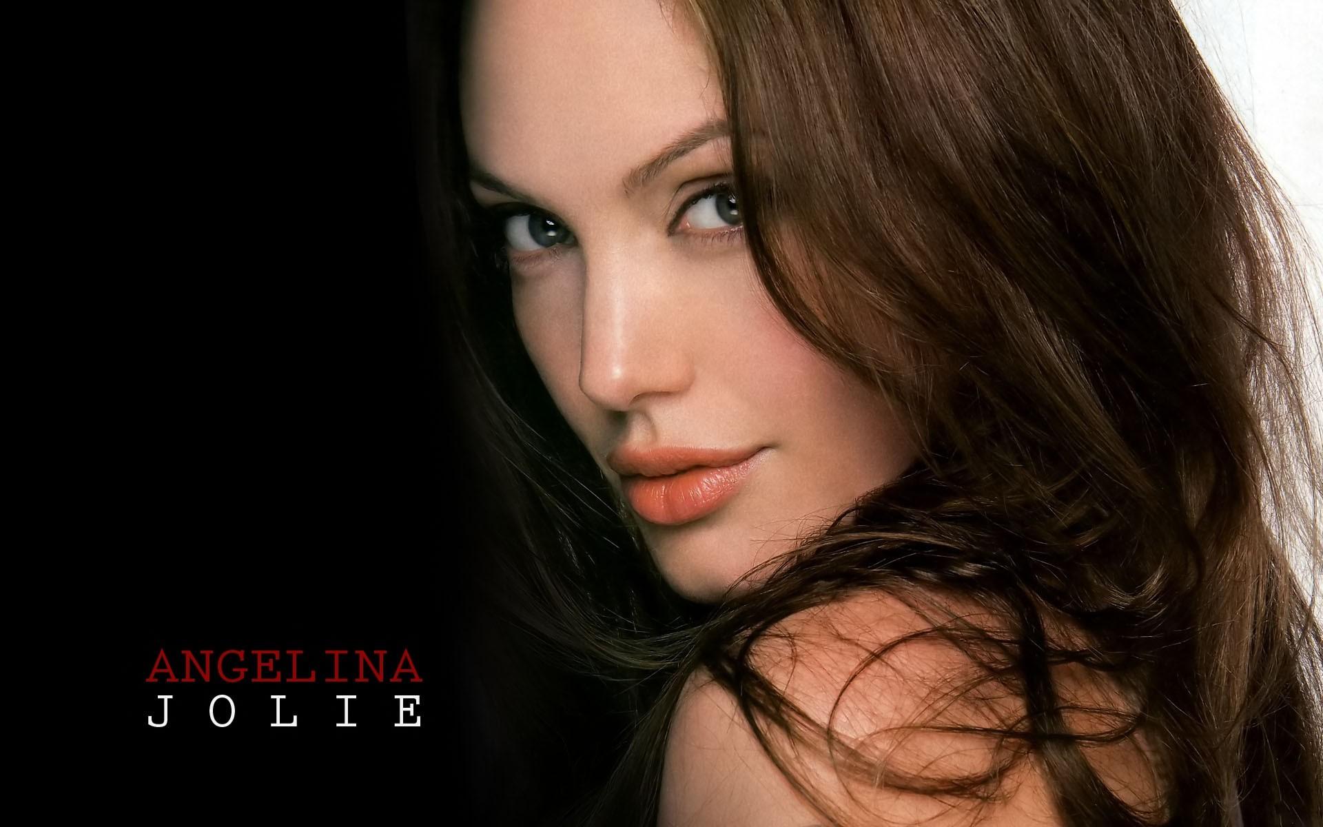 La nueva Angelina Jolie - 1920x1200
