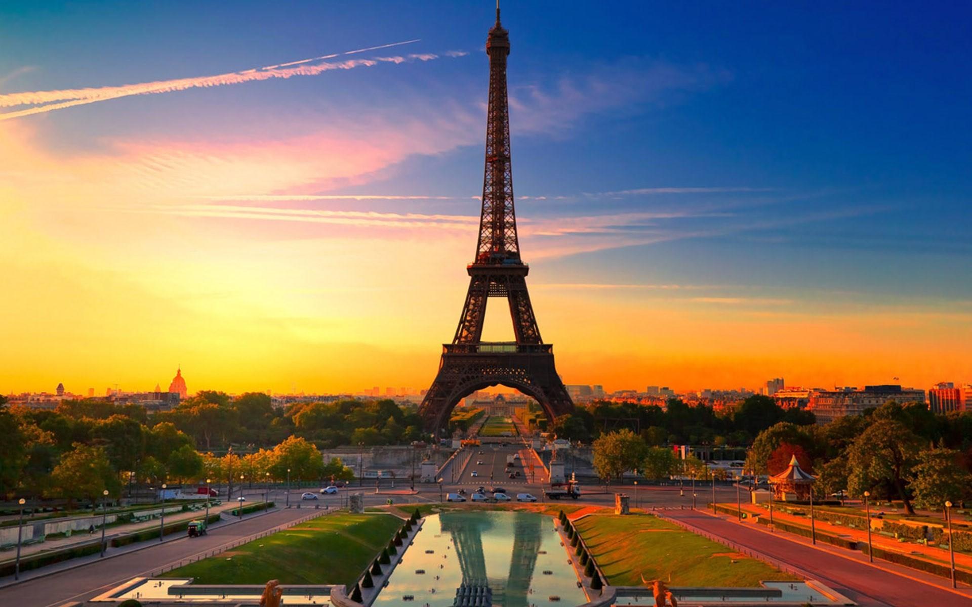 La torre Eiffel al atardecer - 1920x1200