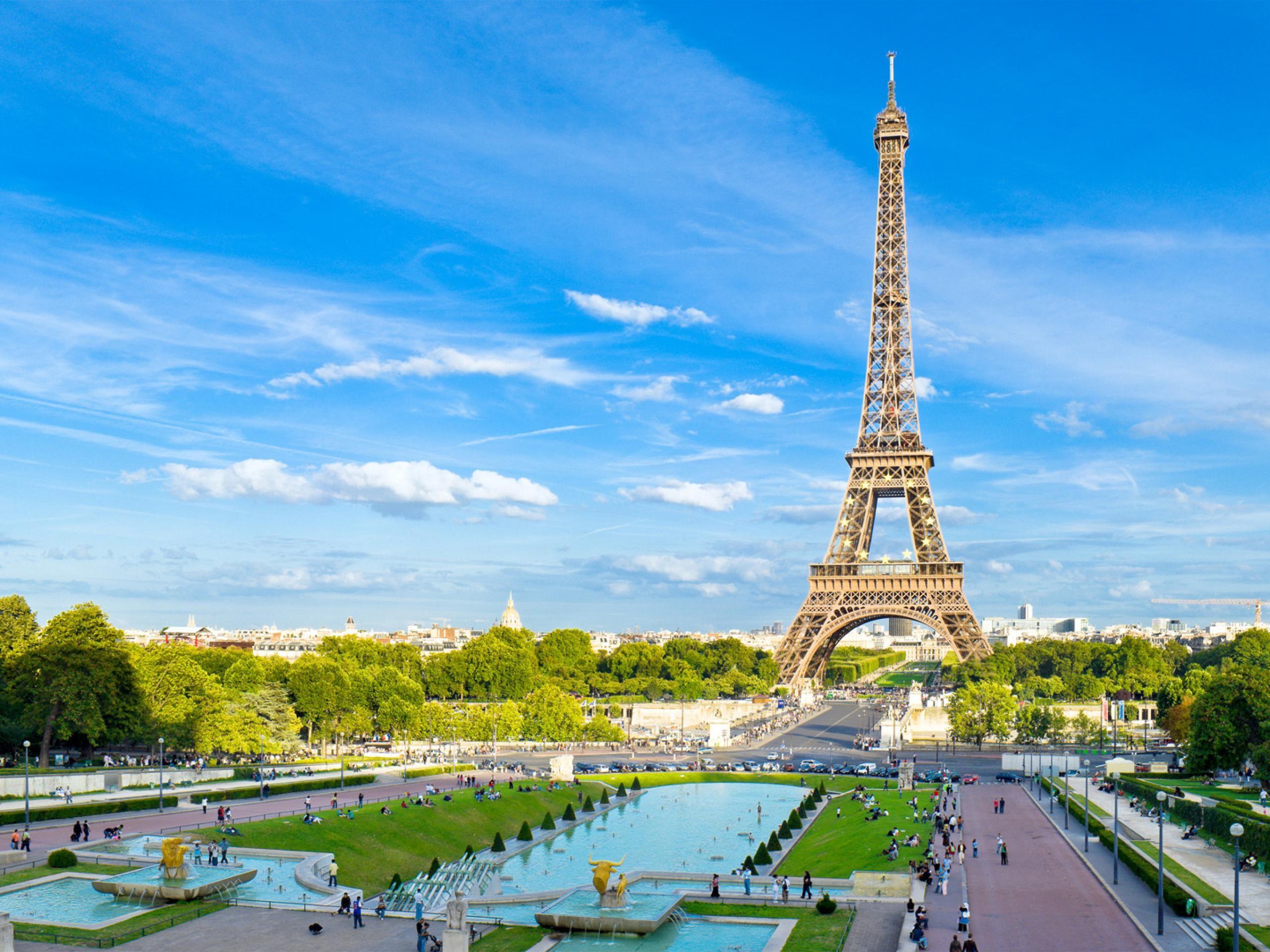 La Torre Eiffel en HDR - 2560x1920