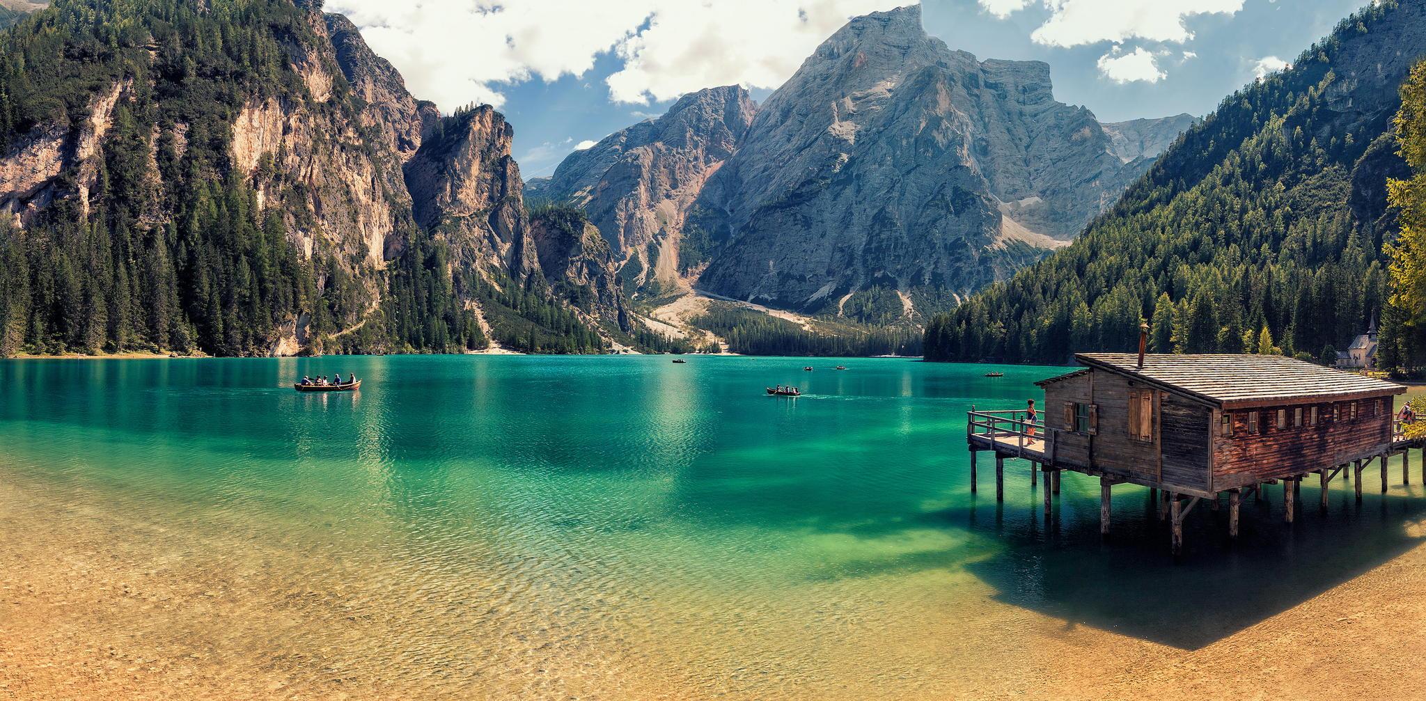 Lago Di Braies de Italia - 2048x1007