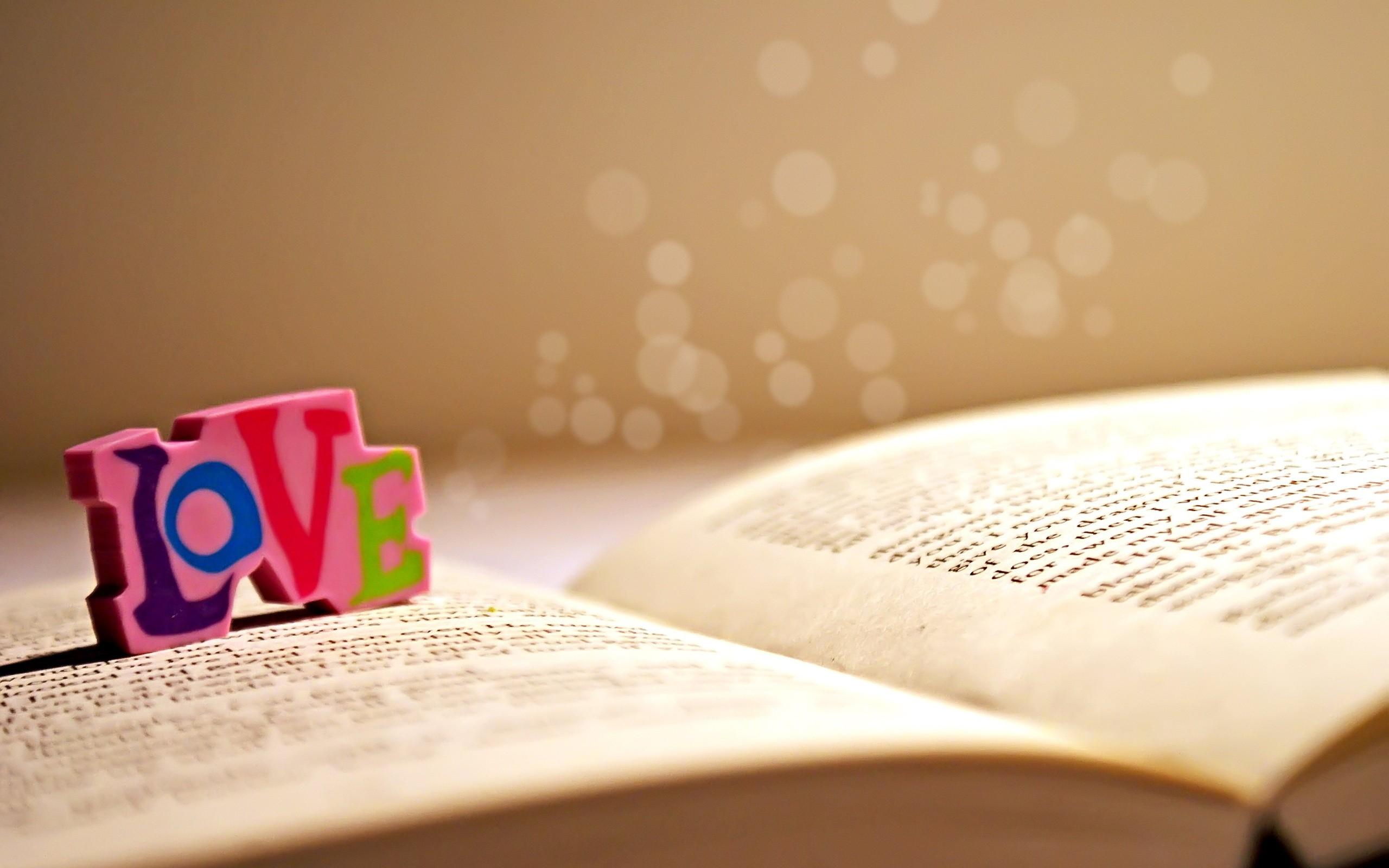 Libro y amor - 2560x1600