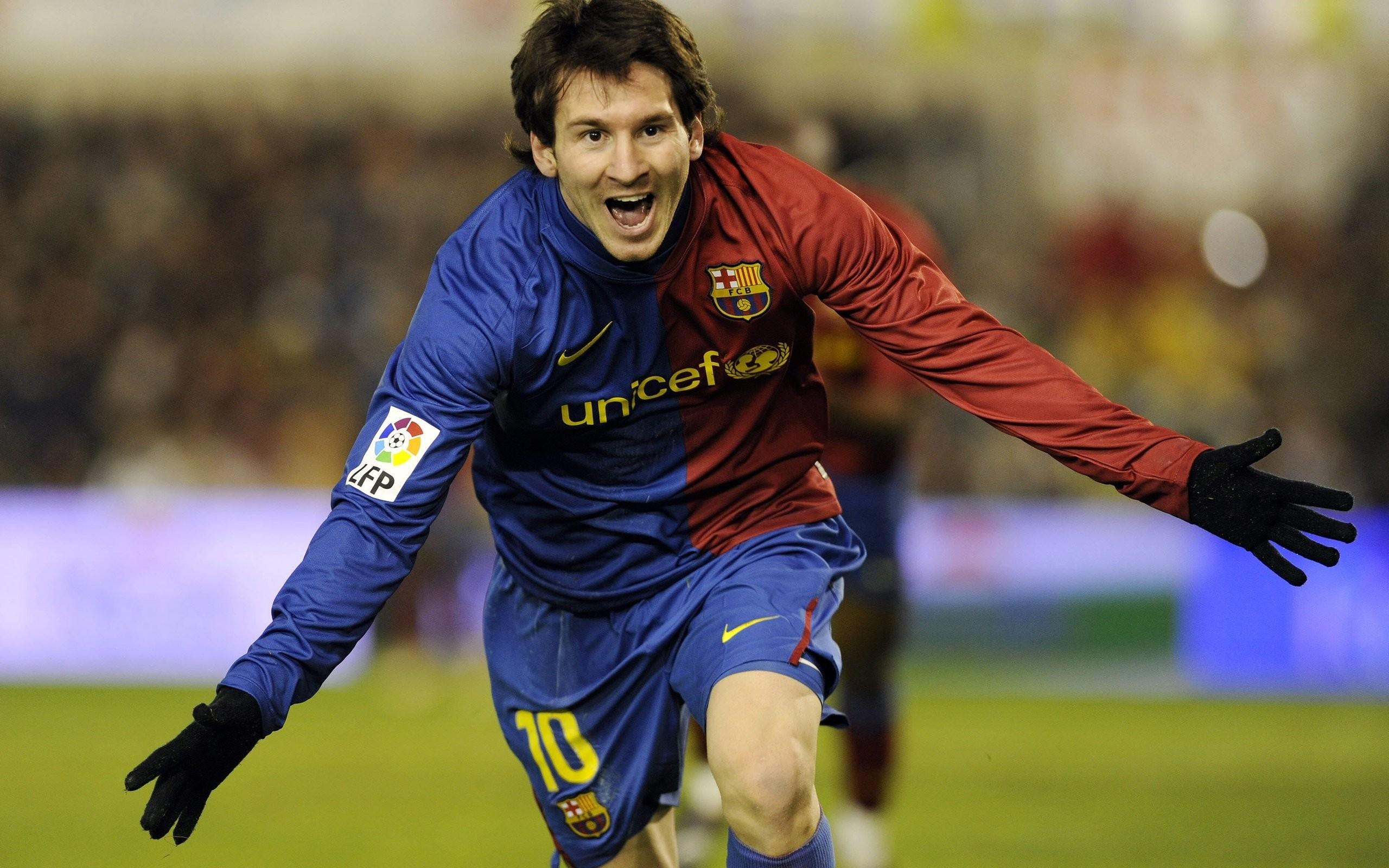 Lionel Messi con el Barcelona - 2560x1600
