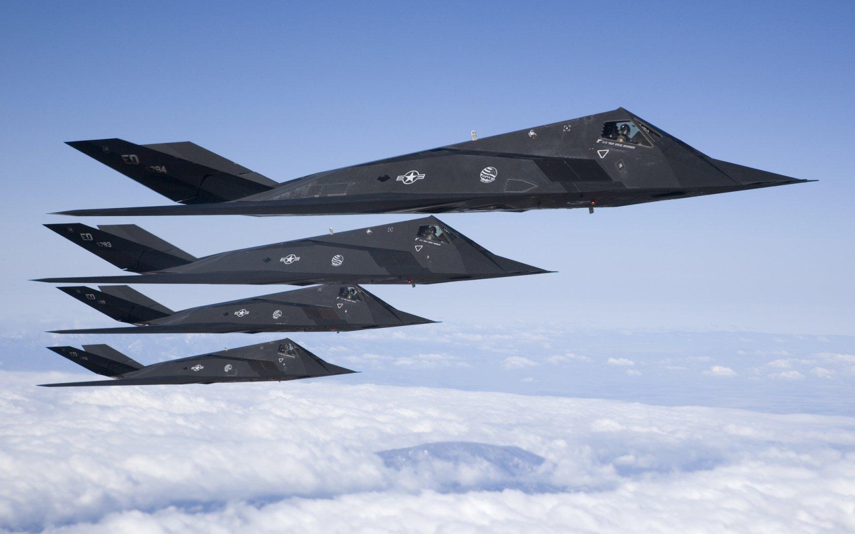 Lockheed F-117 - 1680x1050