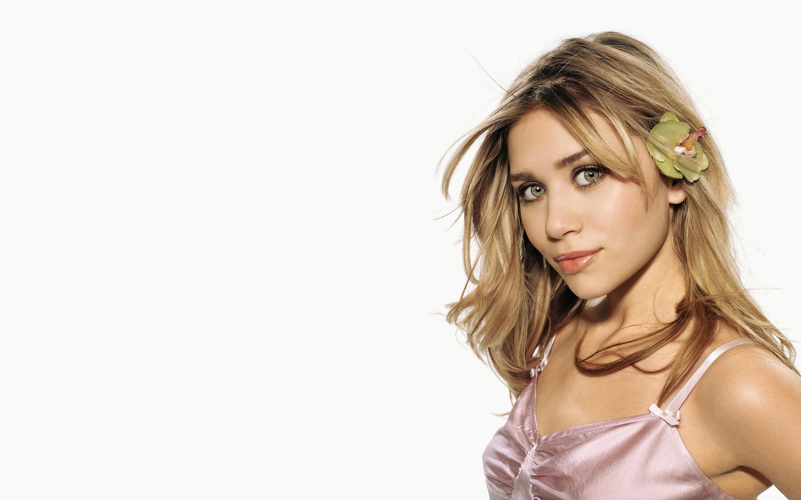 Mary Kate Olsen - 2560x1600