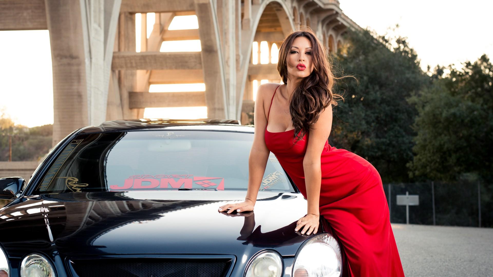 Melyssa Grace y auto - 1920x1080