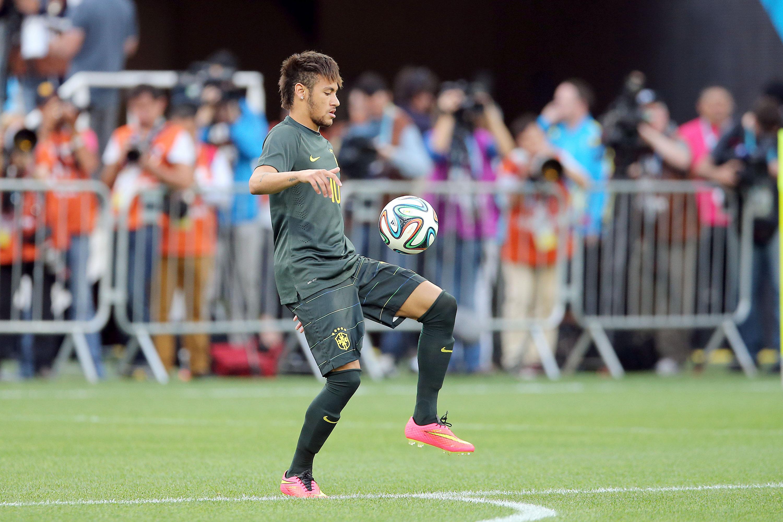 Neymar y el Brazuca - 3000x2000