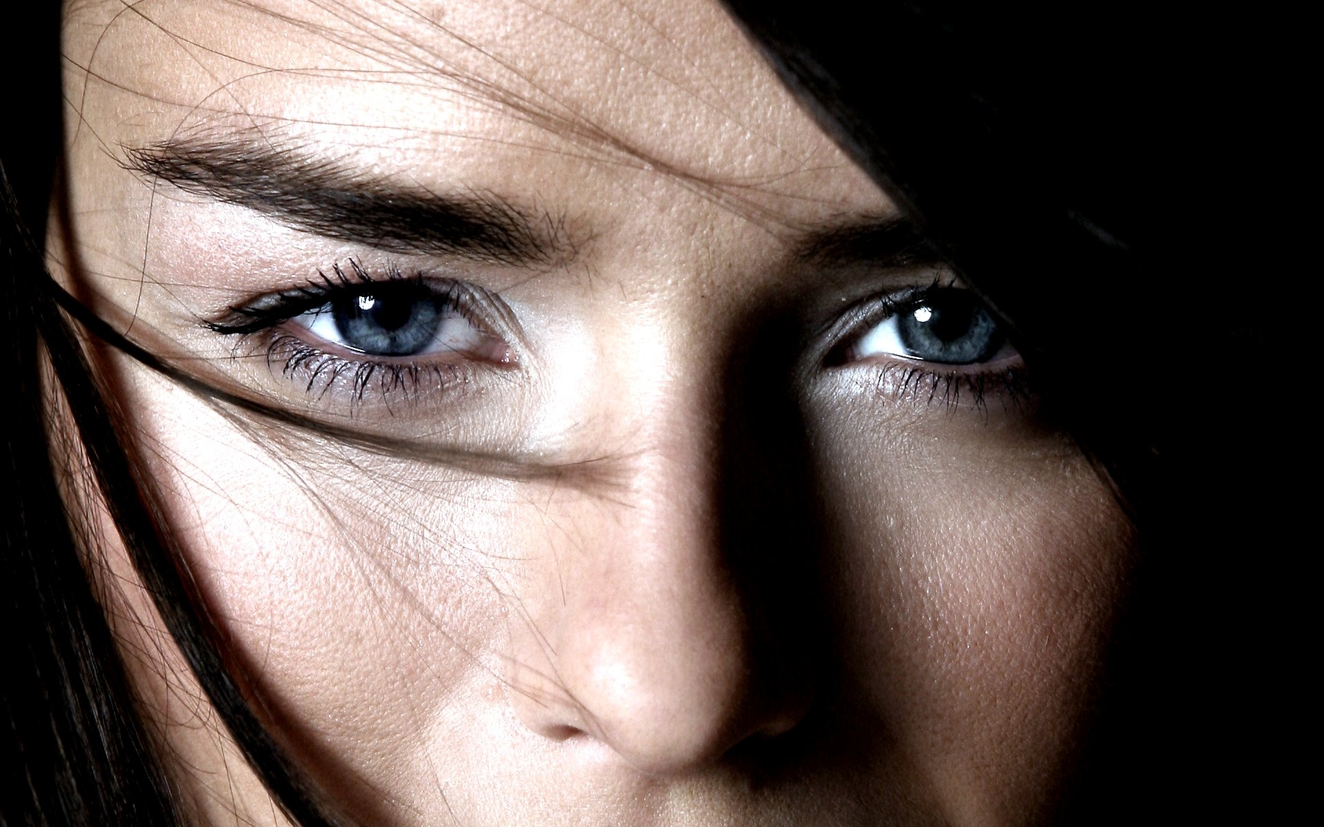 Ojos azules - 1920x1200