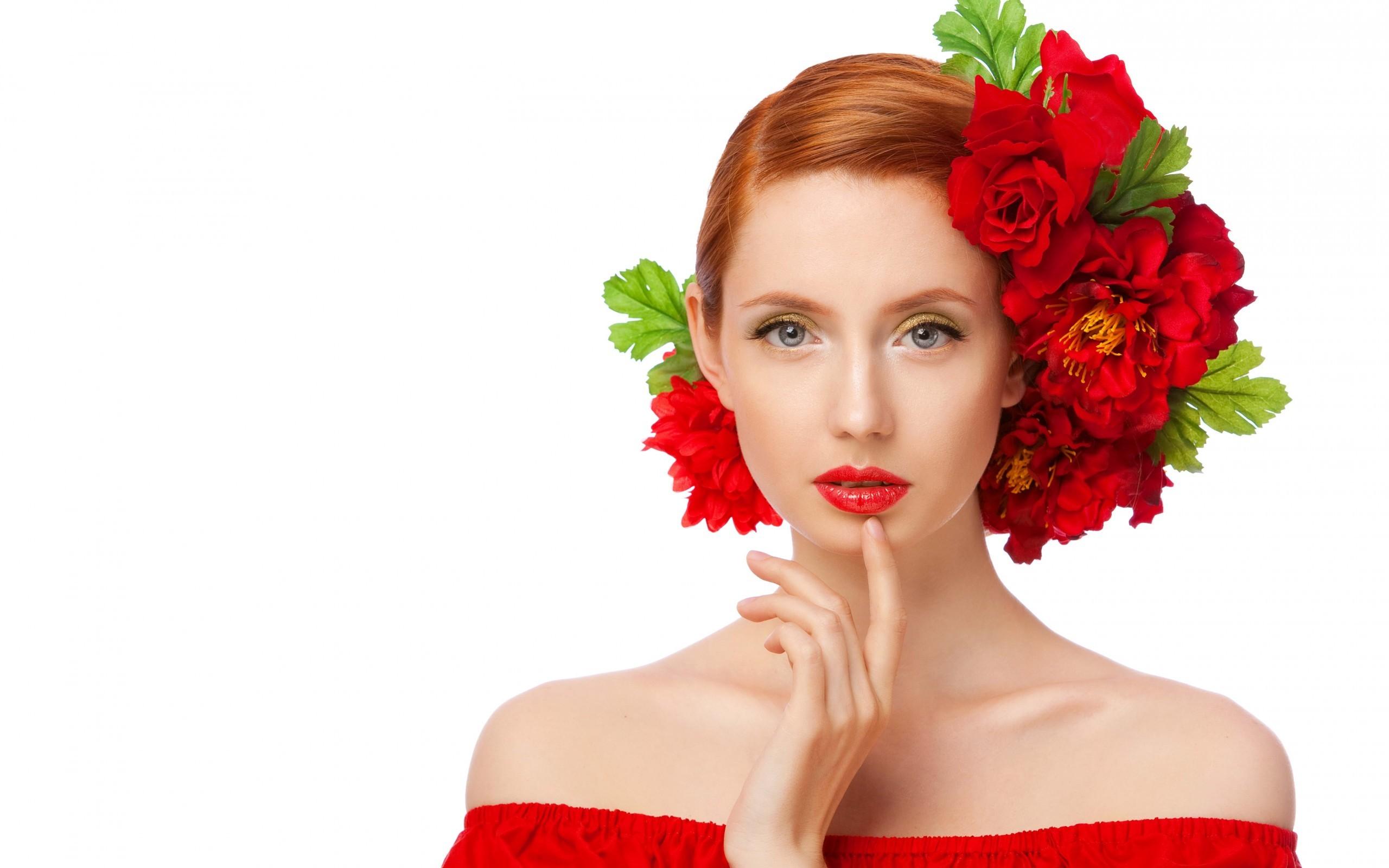 Peinado con rosas rojas - 2560x1600