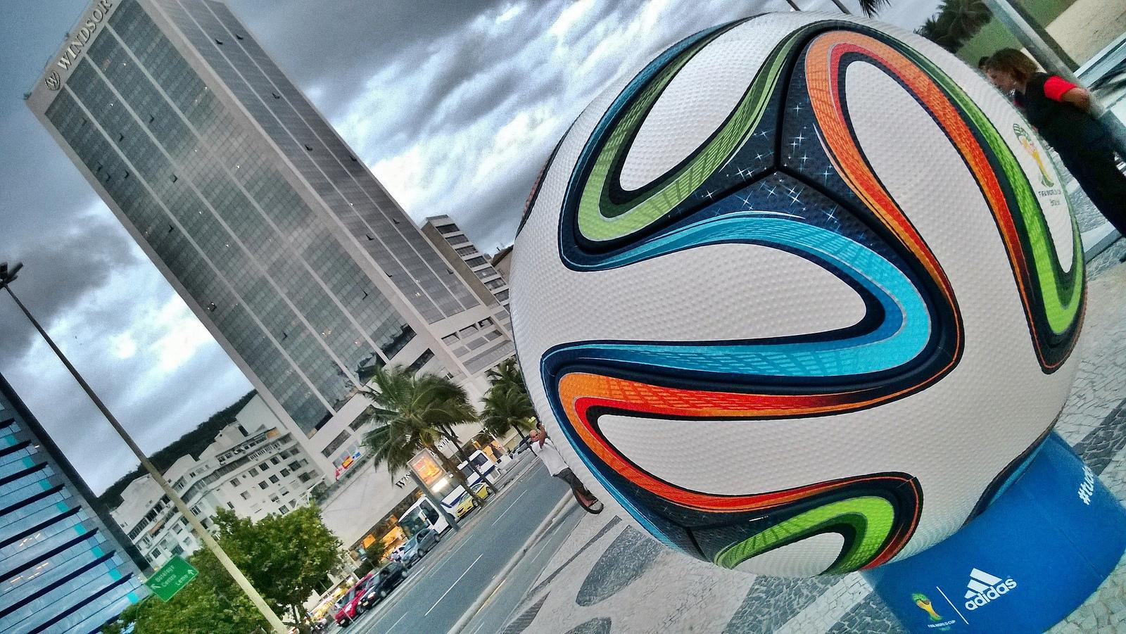 Pelota del Mundial 2014 - 1600x901