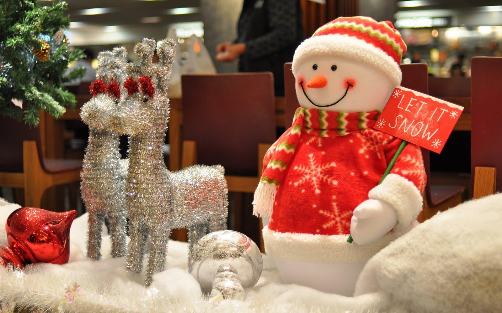 Peluche de muñeco de nieve - 1600x1000