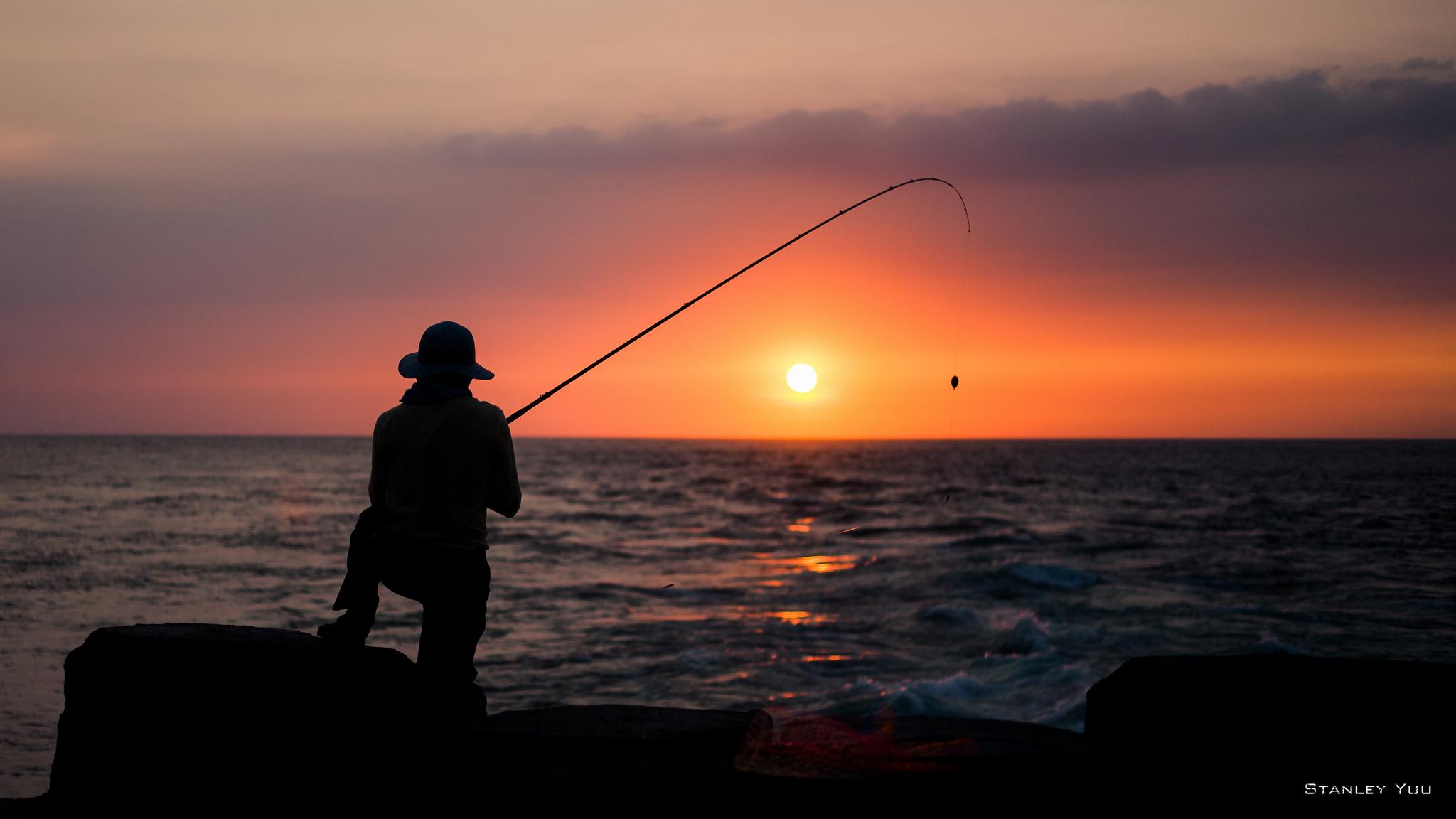 Pesca y puesta de sol - 2048x1152