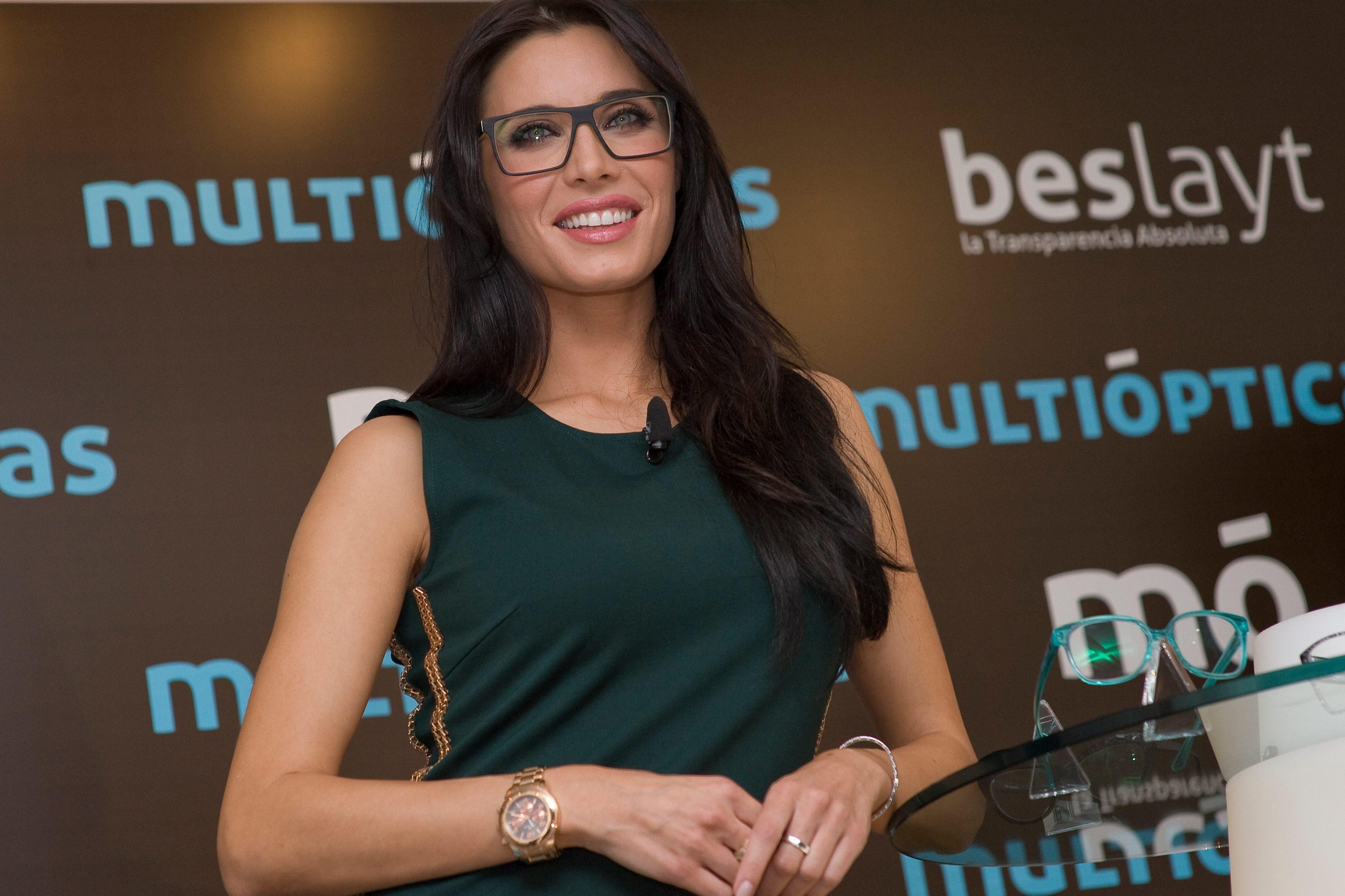 Pilar Rubio con lentes - 3600x2400