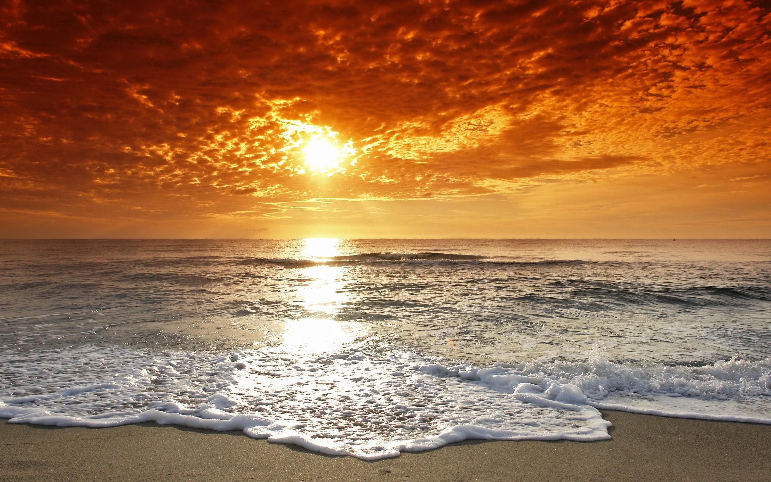Playa al atardecer - 2560x1600