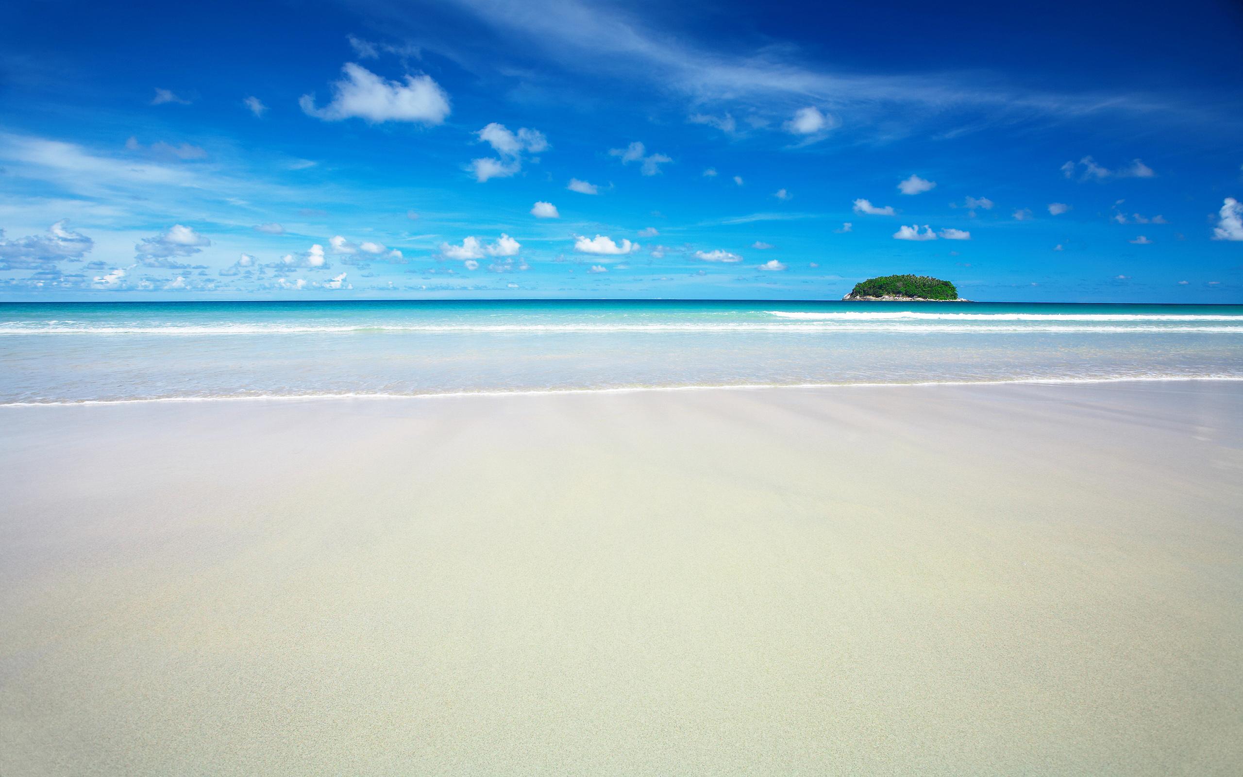 Playa, isla y mar azul - 2560x1600