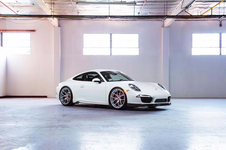Porsche Carrera 911 - 1500x1000