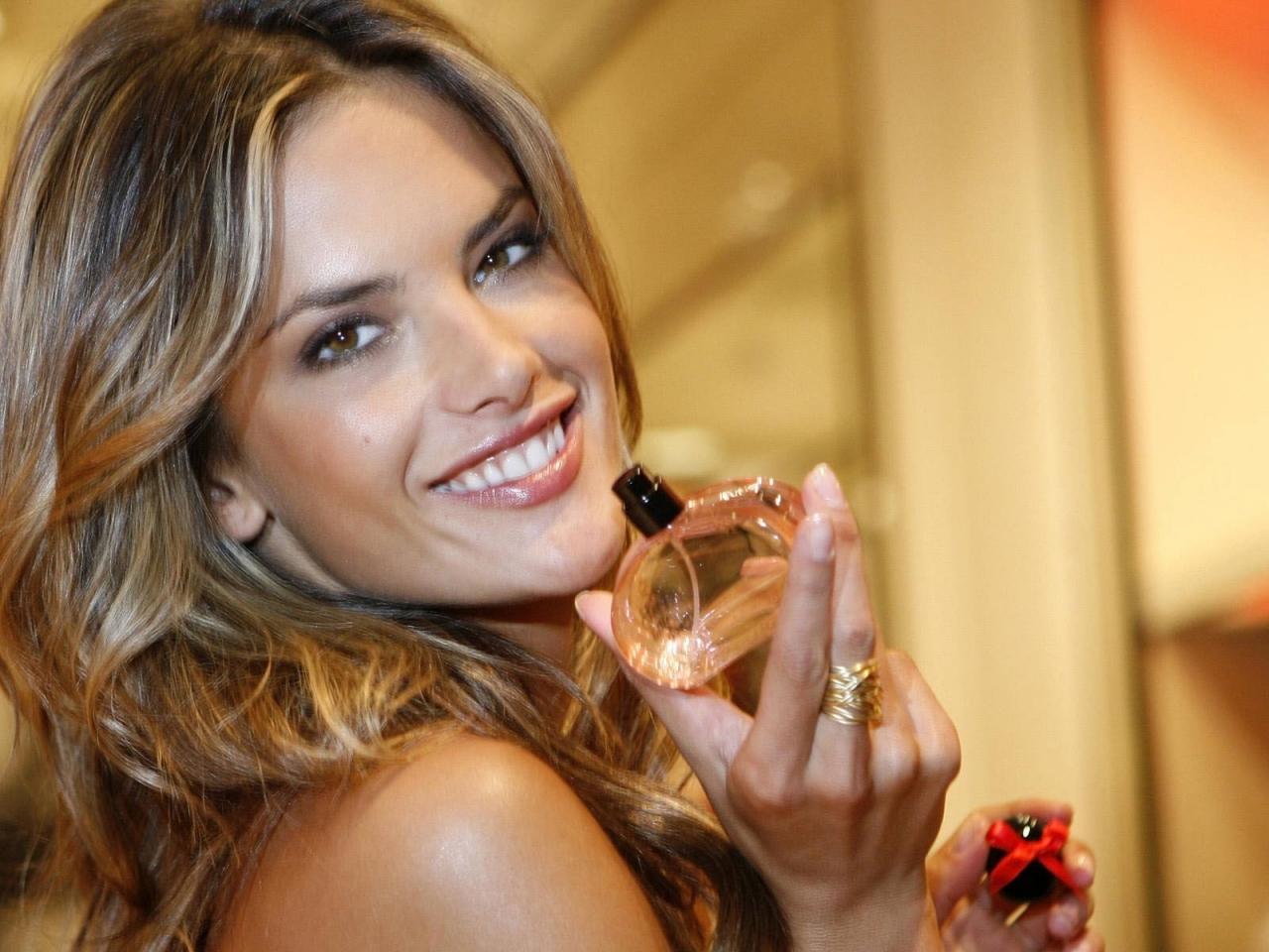 Alessandra ambrosio rostro - 1280x960