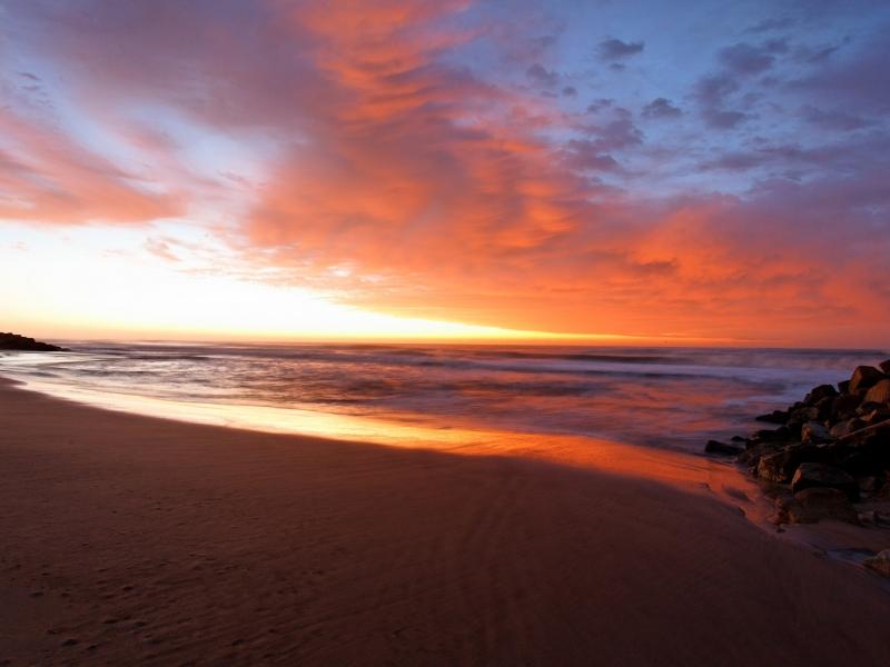 Amanecer en la playa - 800x600