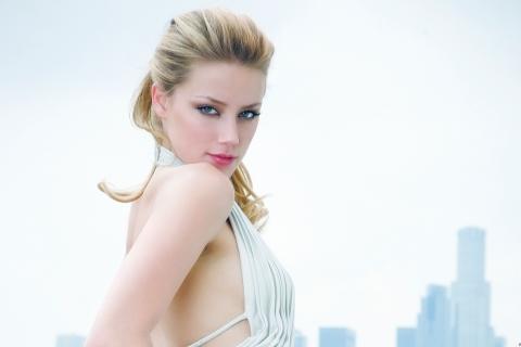 Amber Heard la rubia - 480x320