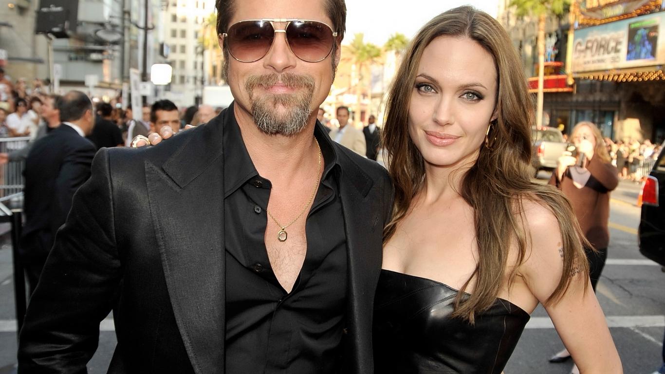 Angelina y Brad Pitt - 1366x768