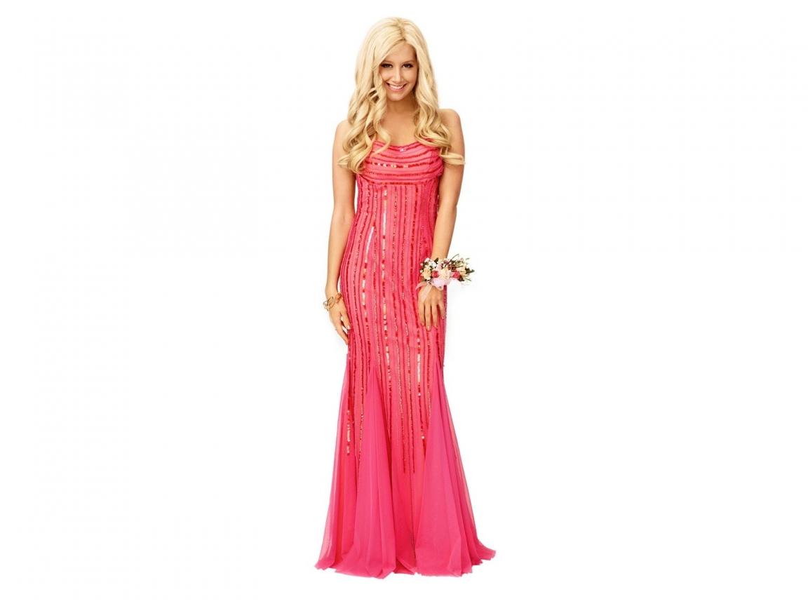 Ashley Tisdale con vestido de gala - 1152x864
