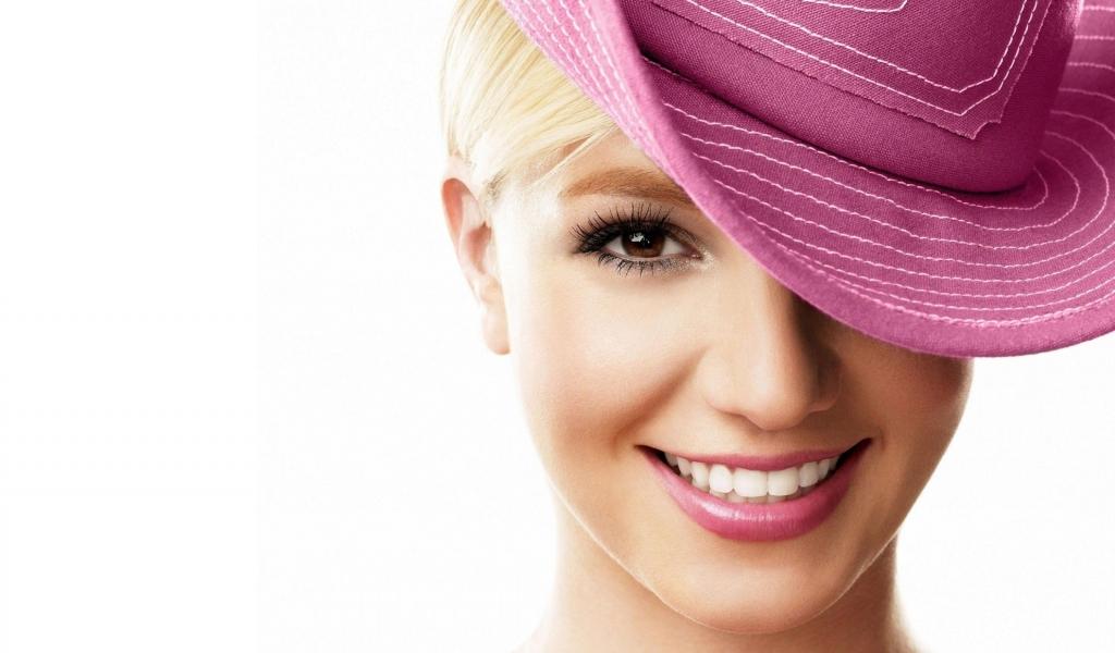 Britney Spears - 1024x600