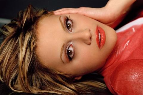 Brittany Murphy rostro - 480x320