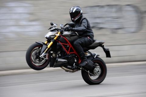 Caballito en Ducati - 480x320