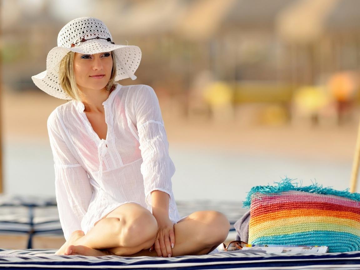 Chica con sombrero - 1152x864