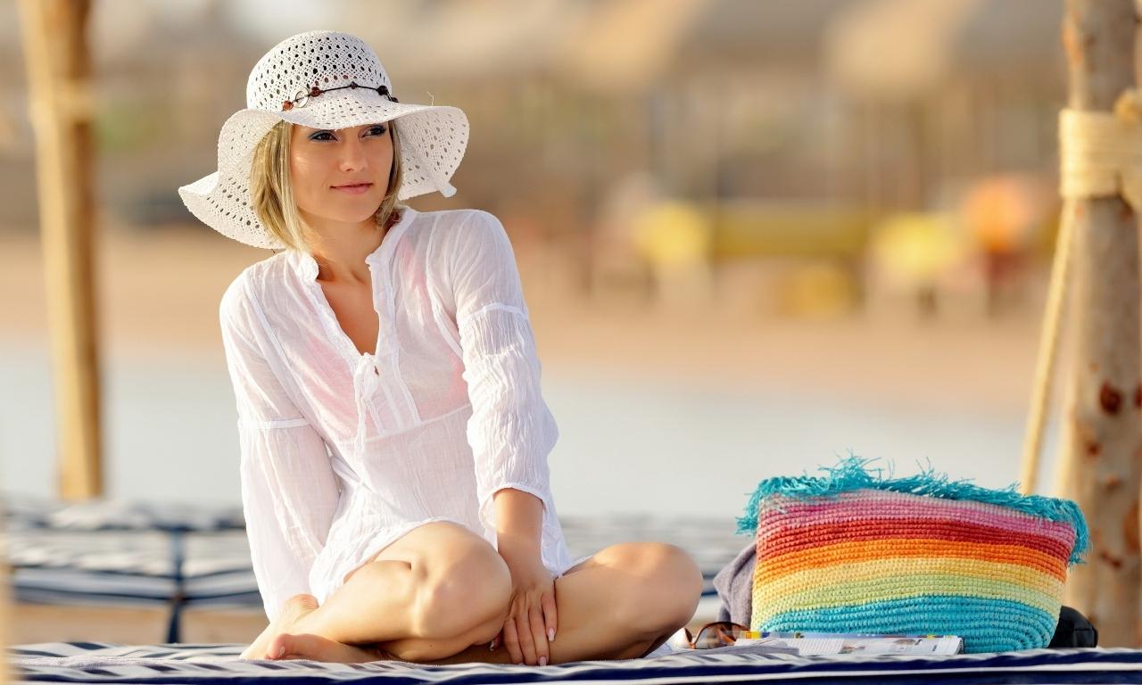 Chica con sombrero - 1280x768