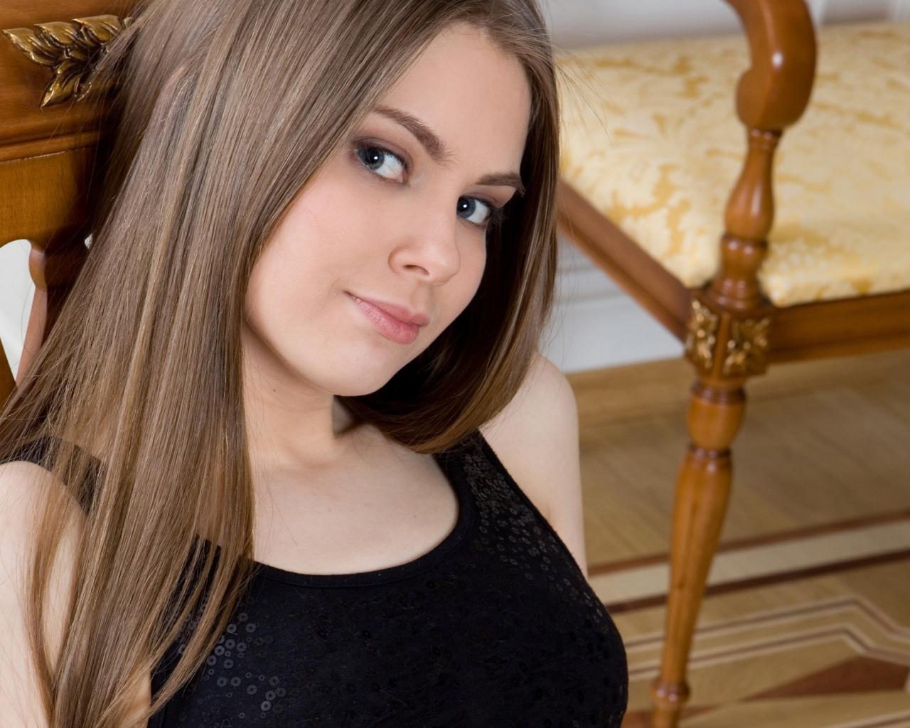 Chica de pelo largo - 1280x1024