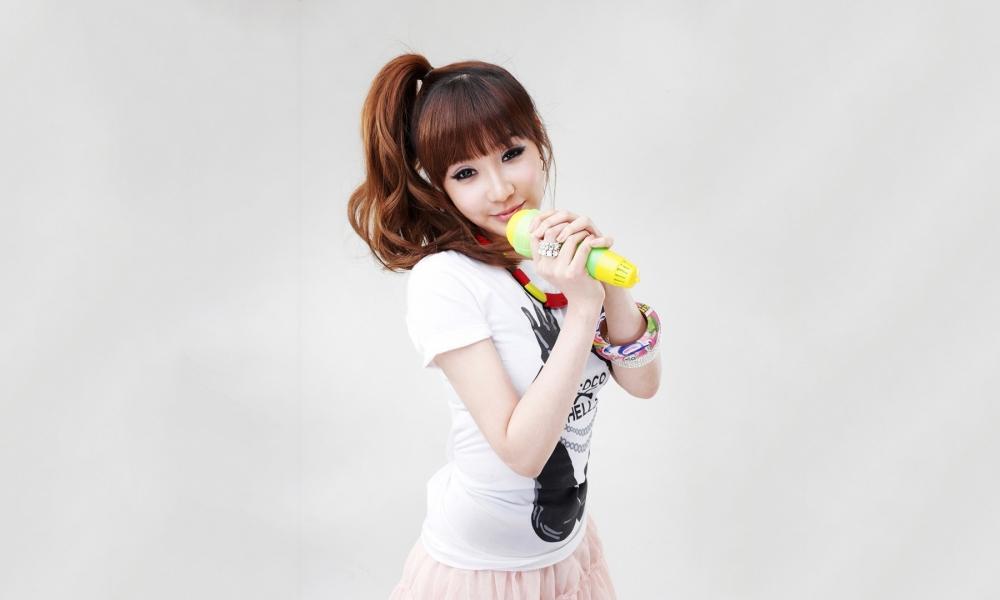 Chicas asiáticas de 2NE1 - 1000x600
