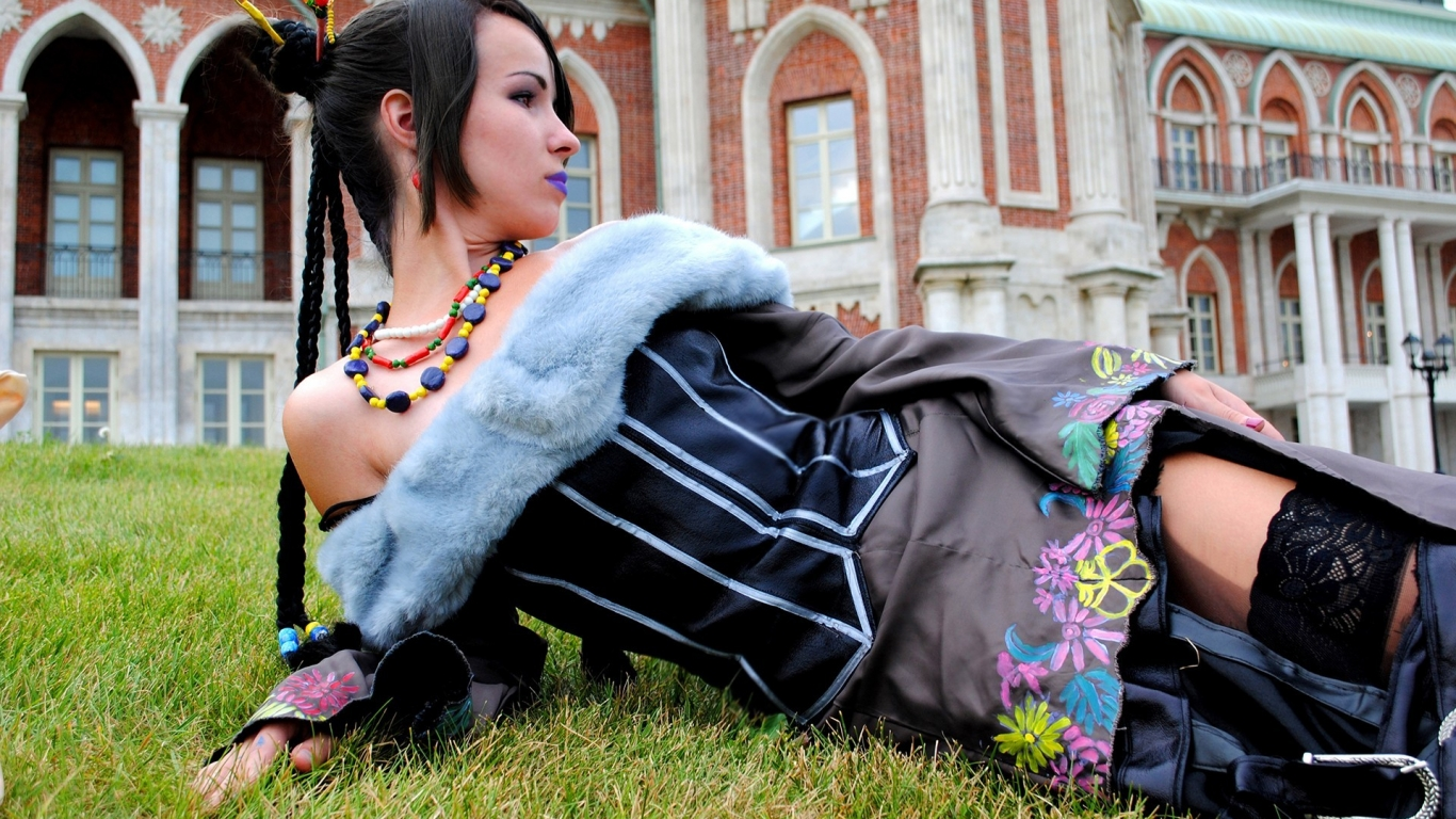 Chicas con Cosplay - 1366x768