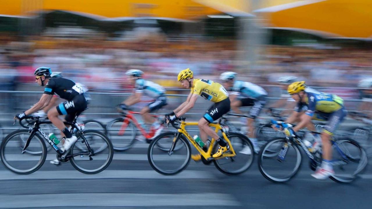 Ciclistas en competencia - 1280x720