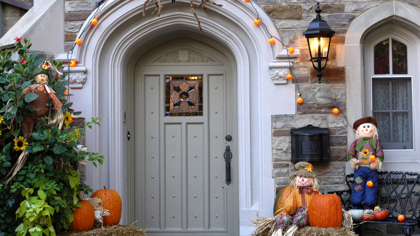 Decoración de casa halloween - 1366x768