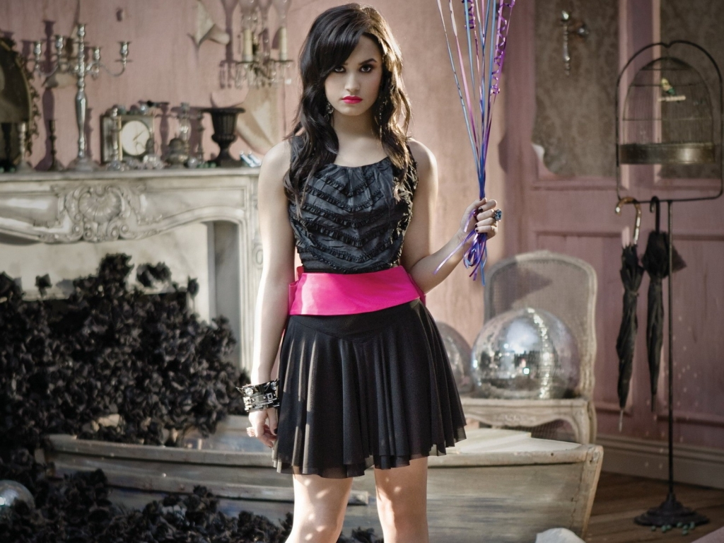 Demi Lovato fotos 2013 - 1024x768