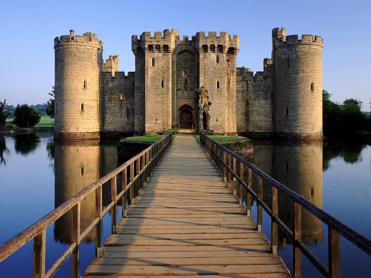 El castillo Bodia en Inglaterra - 1280x960