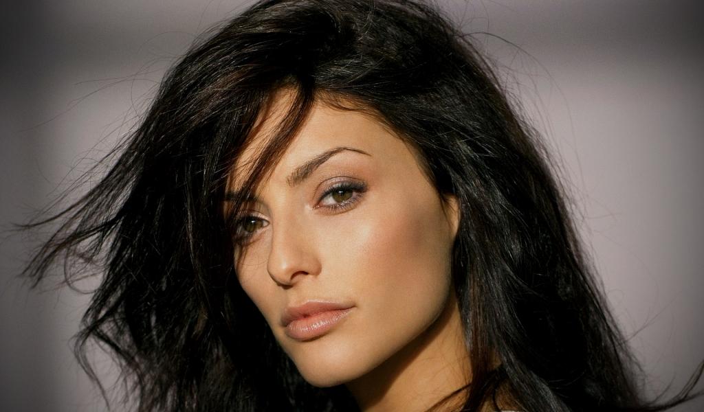 Erica Cerra rostro - 1024x600