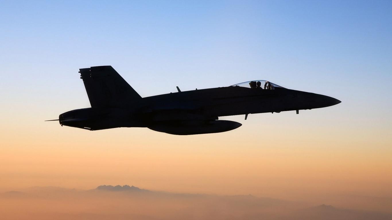 FA-18 Hornet - 1366x768