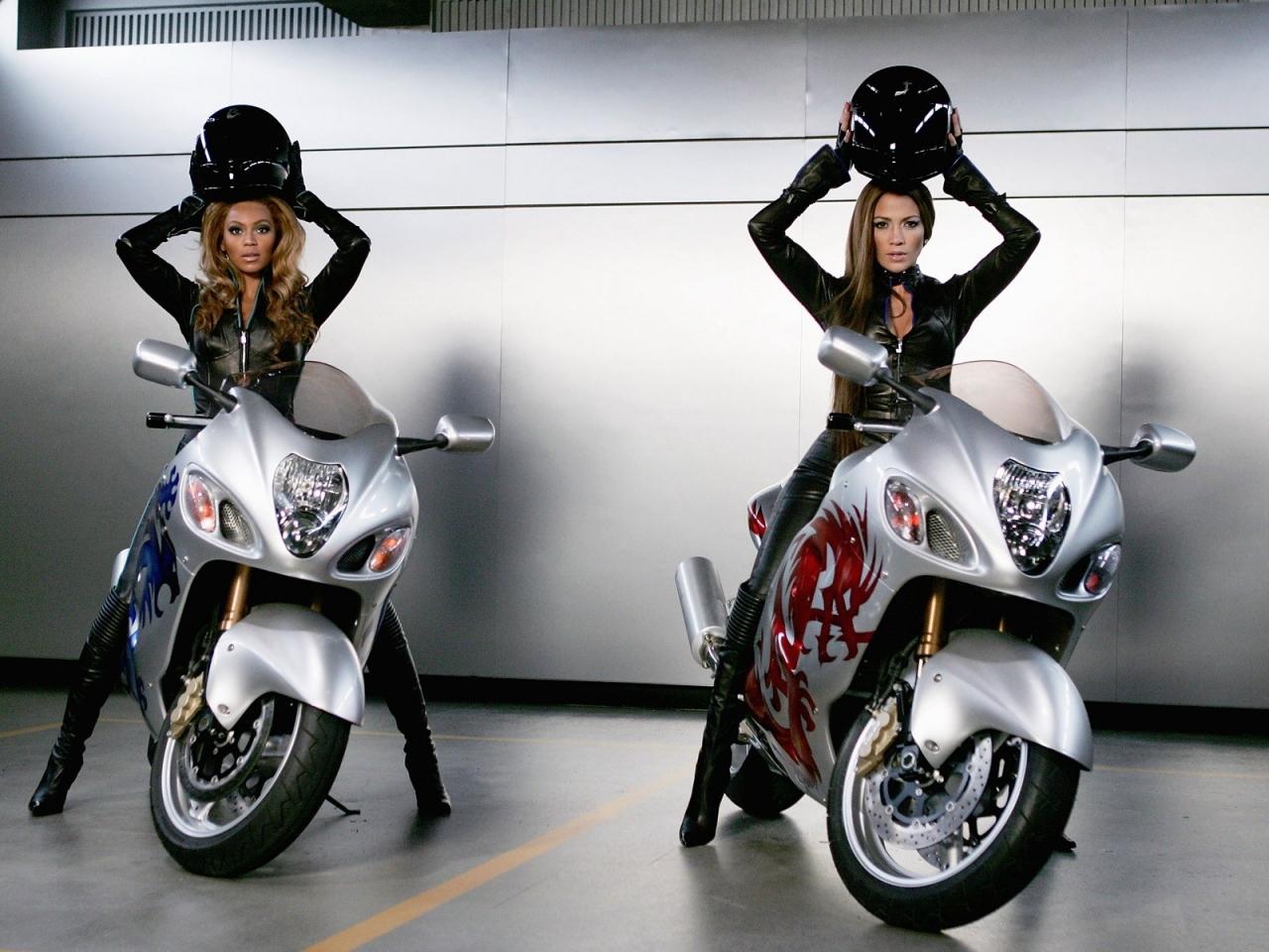 Famosas en motos - 1280x960