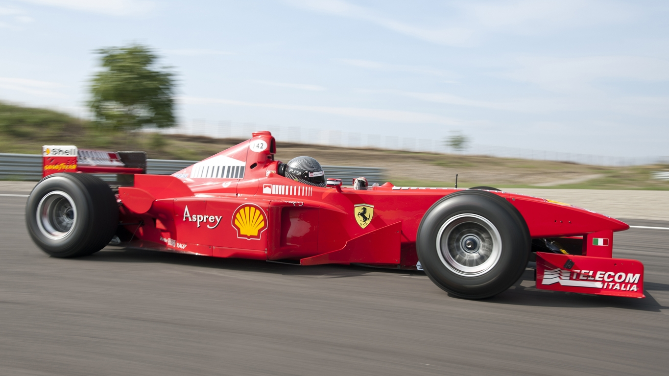 Ferrari F300 Formula 1 - 1366x768