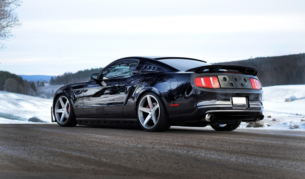 Ford Mustang GT 2013 - 1024x600