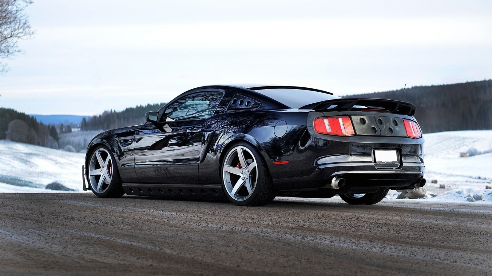 Ford Mustang GT 2013 - 1600x900