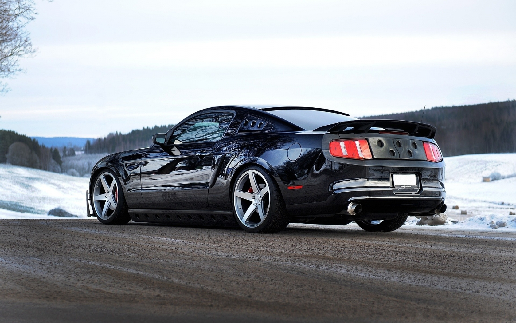 Ford Mustang GT 2013 - 1680x1050
