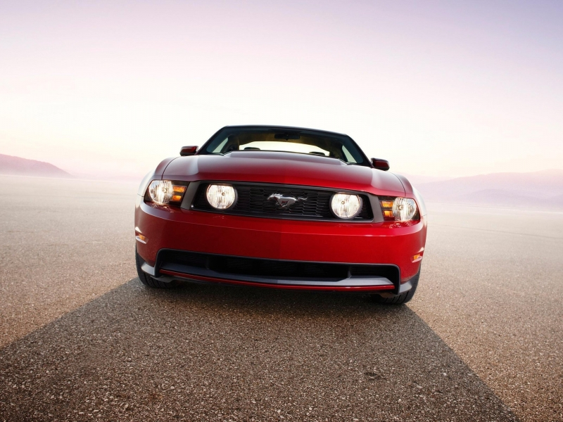 Ford Mustang GT - 800x600